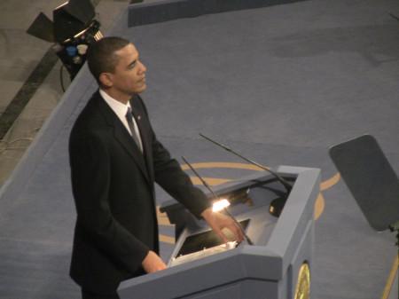 obama @ nobel podium