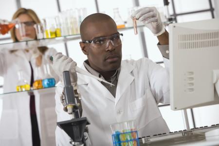 http://sacobserver.com/wp-content/uploads/2013/04/black-scientist-450x300.jpg