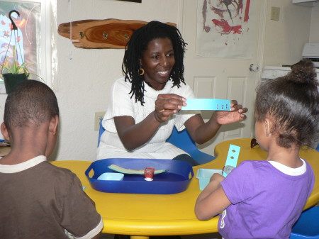Caption: Dr. Addie Ellis has a passion about serving homeless youth. She has volunteered her time for the last three years educating  children that are experiencing homelessness in the Sacramento area. OBSERVER photo by Antonio R. Harvey.